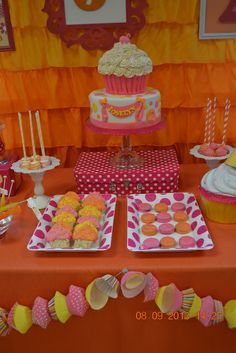 Cake and treats at a Cupcake Party #cupcake #partytreats