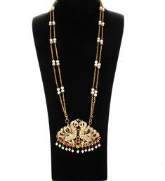 Phenomenal Jewelry display showroom,Jewelry diy display and Minimalist jewelry storage. Gold Jewelry Simple, Cute Jewelry, Pearl Jewelry, Indian Jewelry, Boho Jewelry, Bridal Jewelry, Fashion Jewelry, Silver Jewelry, Dainty Jewelry