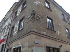 """Kolejny przykład """"wisienki na torcie"""" wśród architektury Starego Miasta Warsaw, Street View"""