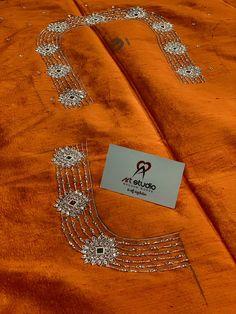 Blouse Designs High Neck, Cutwork Blouse Designs, Hand Work Blouse Design, Simple Blouse Designs, Bridal Blouse Designs, Hand Embroidery Videos, Hand Embroidery Designs, Embroidery Stitches, Gold Jewellery Design