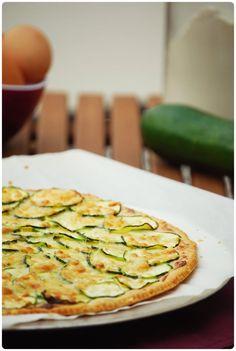 Fine zucchini and Boursin tart - cuisine - Salad Recipes Healthy Veggie Recipes, Vegetarian Recipes, Cooking Recipes, Healthy Recipes, Tart Recipes, Pizza Recipes, Cooking Games, Quiches, Tarte Fine