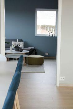 NORDISK- stil | Ann Elin Sørøy Floor Chair, Future House, New Homes, Room Decor, Sofa, House Design, Flooring, Living Room, Design Ideas