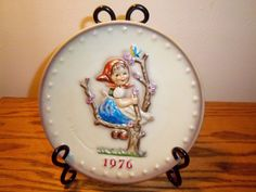 1976 M.J. HUMMEL PLATE 6TH ANNUAL PLATE HAND PAINTED