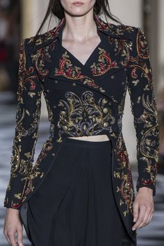 Zuhair Murad at Couture Fall 2018 (Details) Fall Fashion Trends, Fashion Week, Runway Fashion, High Fashion, Fashion Outfits, Womens Fashion, Fashion Top, Stylish Outfits, Style Haute Couture