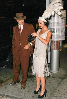 What a flapper! Julianne Hough goes Gatsby in a style dress to mark her birthday , What a flapper! Julianne Hough goes Gatsby in a style dress to mark her birthday Gatsby Outfit, Gatsby Dress, 1920s Dress, 1920s Fashion Dresses, 20s Dresses, 1920s Party Dresses, Dance Dresses, Dress Fashion, Men's Fashion