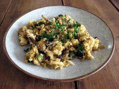 gierstschotel met eekhoorntjesbrood, aubergine en olijven