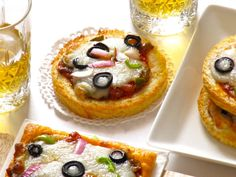 vingerhappies   Kreatiewe Kos Idees Kos, Gammon Recipes, Flatbread Pizza, Bread And Pastries, Sandwiches, Cheesecake, Oven, Chips, Cooking Recipes