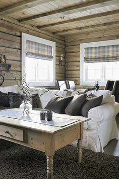 〚 Cozy chalet in the heart of winter Norway 〛 ◾ Photos ◾Ideas◾ Design Nordic Living Room, Primitive Living Room, Living Spaces, Log Home Designs, Rustic Home Design, Cabin Homes, Log Homes, Wooden House, Design Case