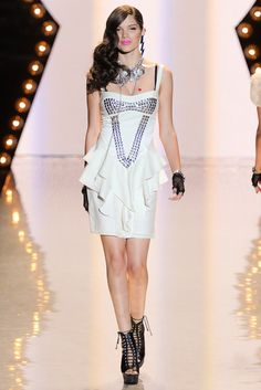 Betsey Johnson Spring 2012 Ready-to-Wear Collection Photos - Vogue