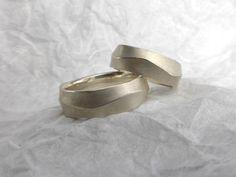 """Traurringe Silber """"Welle"""" von die kleine schmuckwerkstatt            auf DaWanda.com"""