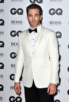 Chris Pine arrives for the GQ Men of the Year Awards 2016.