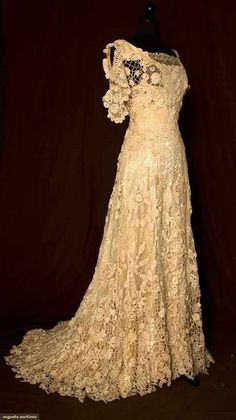 Vintage 1908 Irish wedding gown - lace overlay style