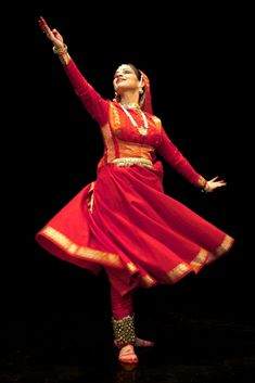 Sharmila Sharma - love her style in Kathak dances!