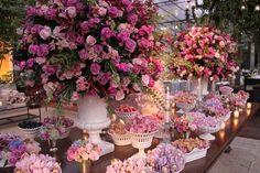 Decoração de casamento em tons de rosa - Constance Zahn   Casamentos