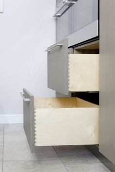 Custom Made Birch Ply Kitchen Drawers with Dovetail joint. True Position Jigs would be the ideal tool to use to fit these kitchen door handles. Kitchen Drawers, Kitchen Doors, Plywood Kitchen, Wood Joints, Birch Ply, Woodworking Basics, Ideal Tools, Dovetail Drawers, Drawer Fronts