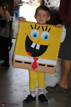 Cool Homemade SpongeBob and Gary to the Rescue Child Couple Costume Halloween Costume Contest, Halloween Ideas, Costume Ideas, Despicable Me Costume, Homemade Costumes For Kids, Costume Works, Funny Costumes, Working Mother, Hobbit