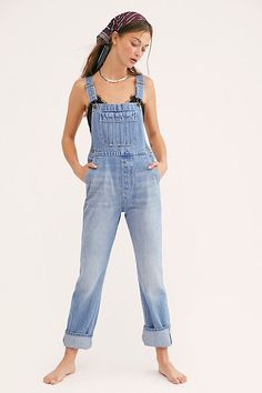 Rollas handels-overall -. Blue Jean Overalls, Denim Overalls, Overalls Outfit, Overalls Women, Overalls Fashion, Free People, Jeans Rock, Straight Leg Pants, Spring Outfits