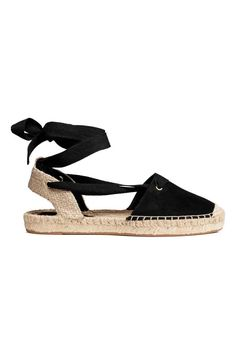 Espadrilles in faux suede and jute with ankle ties. Jute insoles and rubber soles. Lace Up Espadrille Sandals, Tie Up Espadrilles, Ankle Strap Sandals, Shoes Sandals, Tie Shoes, Lace Up Shoes, Me Too Shoes, Black And White Espadrilles, White Sandals