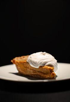 Vegan No Bake Pumpkin Pudding Pie | minimalistbaker.com #vegan #glutenfree