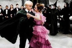 Draco Harry Potter, Harry Potter Tumblr, Harry Potter Ships, Harry Potter Pictures, Harry Potter Memes, Harry Potter World, Hermione Granger, Draco And Hermione, Dramione