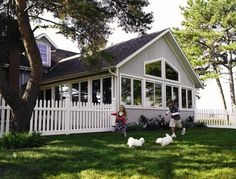 Vinyl Fencing - traditional - fencing - other metro - by ActiveYards