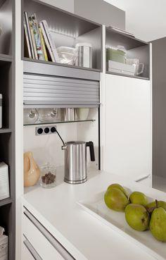 Eine Möglichkeiten, Steckdosen Fast Unsichtbar In Der Küche Zu  Installieren, Bieten Jalousienschränke. Die