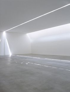 A slice of light inside the Fondazione Sandretto Re Rebaudengo by Claudio Silvestrin.