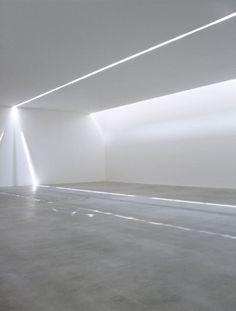 A slice of light inside the Fondazione Sandretto Re Rebaudengo by Claudio Silvestrin.