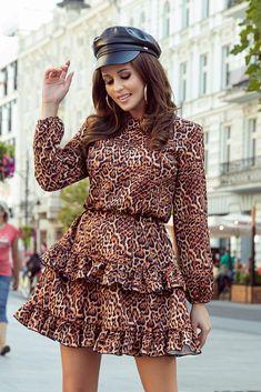 Sukienka z falbanami (animal print) European Fashion, Timeless Fashion, Retro Fashion, Frill Dress, Mini Vestidos, Two Piece Outfit, Pajamas Women, Stunning Dresses, Online Shopping Clothes
