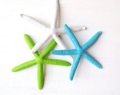 This holiday adorn your Christmas tree with sea glass inspired starfish ornaments! This listing is for 6 starfish-Mint, Teal; Emerald, Turquoise, Aqua, Ocean    They are 3-4 in size. Each is painted and clear coated for durability. Hooks are included for hanging upon request.    These starfish make wonderful gifts as well! Ask about our bulk and wholesale rates!    All starfish are bubble wrapped and shipped in flat rate shipping boxes to prevent breaking in shipment. Ships within 1-2 days.