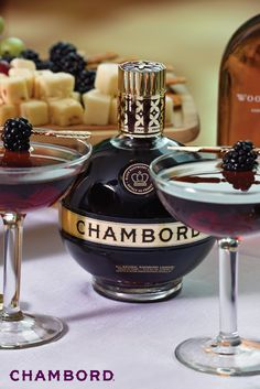 No matter the season, we're always on board for a black raspberry cocktail. That's why this collection of Chambord recipes is our go-to for the holiday season. Pair with a selection of cheeses or appetizers and you've got yourself a foolproof entertaining tip! Chambord Cocktails, Chambord Liqueur, Raspberry Margarita, Raspberry Cocktail, Royal Punch, French Martini, Cocktail Recipes, Party Time, Appetizers