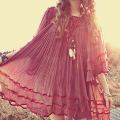 love the dress and the necklace