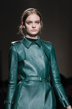 Valentino - Fall 2011 Ready-to-Wear.