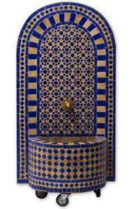 Dieser in harmonischen Farben abgestimmte Mosaikbrunnen verleiht Ihrem Wohnraum eine ganz besondere Exclusivität.