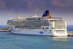 MS Norwegian Gem, Norwegian Cruise Line, Port of Civitavecchia, Rome, Italy