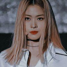 Kpop Girl Groups, Korean Girl Groups, Kpop Girls, K Pop, Blonde Anime Girl, Taehyung, Rapper, I Love Girls, Kpop Aesthetic