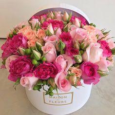 Sweet Bastard – World of Flowers Beautiful Flower Arrangements, Pretty Flowers, Pink Flowers, Floral Arrangements, Birthday Flower Arrangements, Pink Roses, Summer Flowers, Flower Box Gift, Flower Boxes