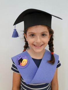 Pre School Graduation Ideas, Graduation Diy, Kindergarten Graduation, Graduation Photos, Orla Infantil, Pencil Topper Crafts, Graduation Party Centerpieces, Circus Birthday, Grad Parties