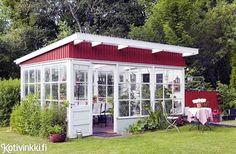 garden shed ideas Backyard Greenhouse, Backyard Vegetable Gardens, Garden Pots, Porches, Shed With Porch, Diy Gazebo, She Sheds, Outdoor Spaces, Outdoor Decor