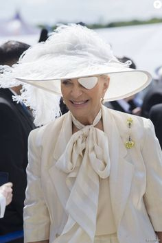 La princesse Michael de Kent, avec un cache-oeil suite à une opération de la cornée, lors du Derby d'Epsom le 6 juin 2015.