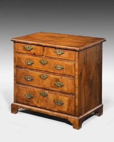 Mid 18th Century Walnut Chest of Draws (Ref No. 6765) - Windsor House Antiques