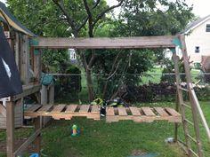 Wobbling pallet bridge for kids obstacle course