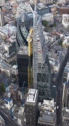 Inside The Cheesegrater: A Tour Of The Leadenhall Building London Now, London Life, British Architecture, London Landmarks, Famous Castles, London Restaurants, Steel Buildings, London Calling, Aerial View