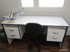 koulupöydän tuunaus Office Desk, Corner Desk, Furniture, Home Decor, Corner Table, Desk Office, Decoration Home, Desk, Room Decor