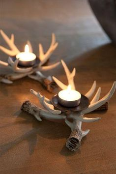 Dress up your table for the holiday season with some DIY antler decor. Antlers add a rustic touch to your home and are easy to style. Deer Antler Crafts, Antler Art, Western Decor, Country Decor, Rustic Decor, Rustic Wood, Antler Candle Holder, Candle Holders, Deer Decor