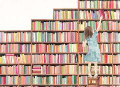 Por qué los libros que nos interesan están siempre tan altos? (ilustración de Maria Girón)
