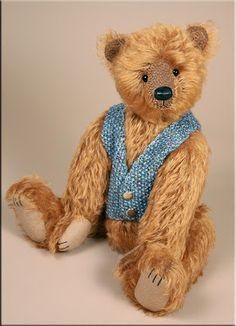 Clement was created by Paula Carter ♥ teddy bear traditional gold artist Paula Carter www.allbear.co.uk Bearing All