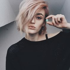 "1,632 Likes, 10 Comments - Lucy 🥀 (@lucyeezy) on Instagram: ""thanks to @sugarbearhair my hair is still strong and healthy after all the color changes 💘 #ad…"""
