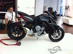 Zoom - MV Agusta Rivale 800 2013 - 11/14