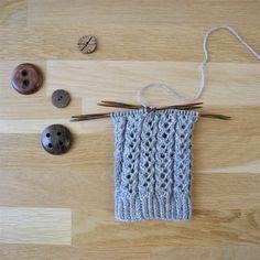 Pitsijoustin – 52 sukanvartta – Neulovilla Knitting Charts, Knitting Socks, Crochet Stitches, Knit Crochet, Knit Art, Handicraft, Mittens, Diy And Crafts, Crochet Earrings